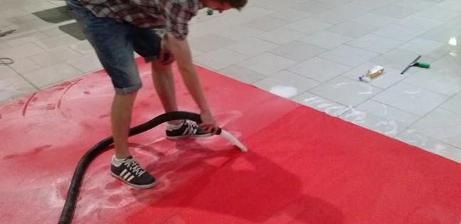 Čištění červeného koberečku do hloubky Brno