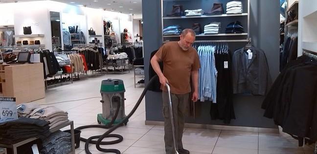 Dokonalé vyčištění podlah v obchodních jednotkách Praha 8