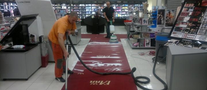Stojové čištění koberce v obchodních centrech Brno