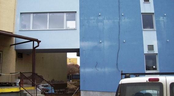 Čištění fasády od městských spadů v Praze