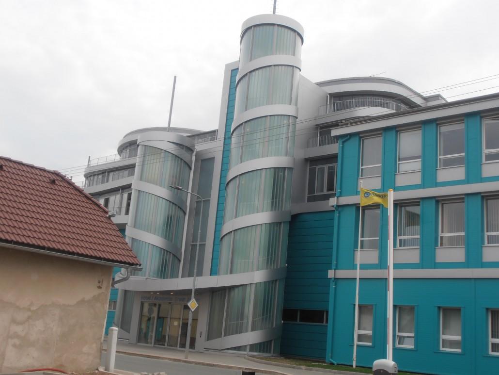 Čištění fasád a mytí oken Brno